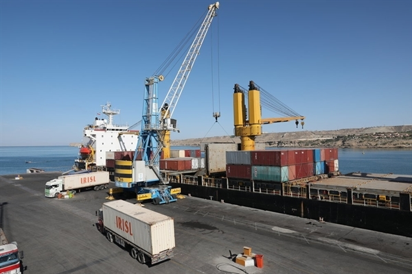 Parliament votes to attach 2 southeastern ports to Chabahar Free Zone